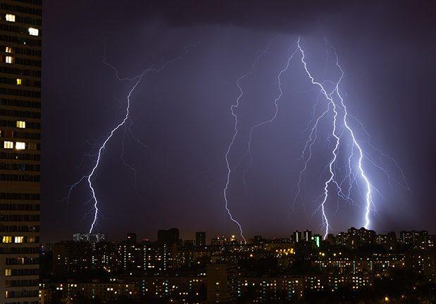 Lightning-2575090 small